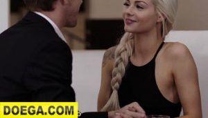 Elsa Jean 2021 gives Euro Daddy Proper Pussy G'bye Gift