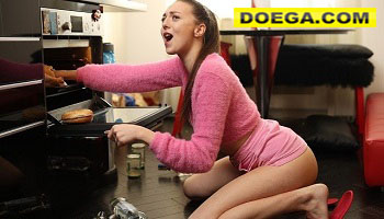 Hottie Wanted to Show her Cooking Skills but got in Trouble
